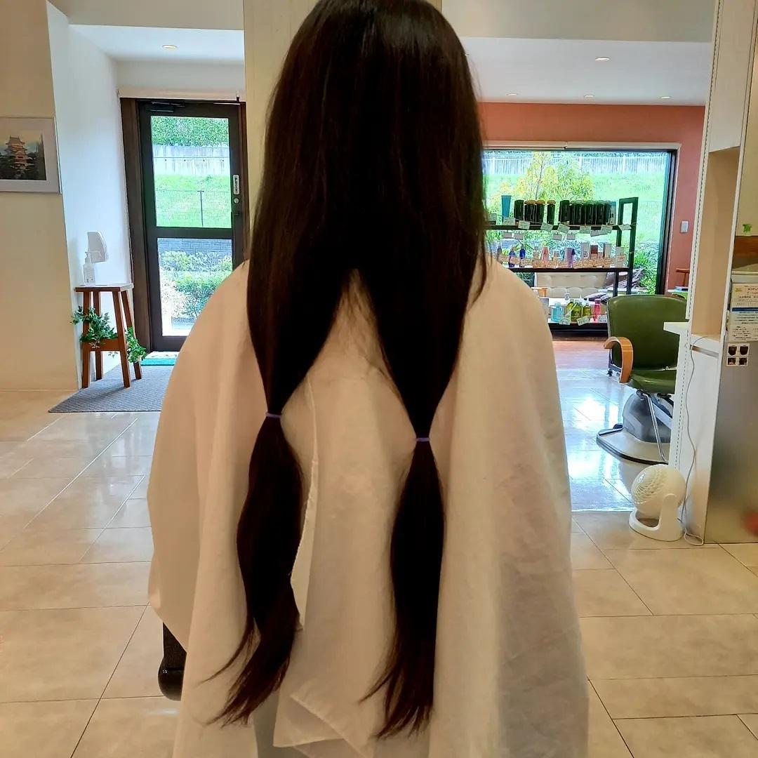 #ヘアドネーション 髪の寄付の、お話から、予定より短くしてくれましたありがとうございます️小学生女子には、リボンサービスも可愛くなって、喜んでもらえて良かったです - from Instagram